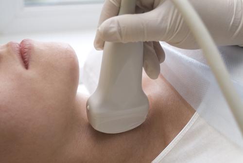 tiroid-bezinin-muayenesi